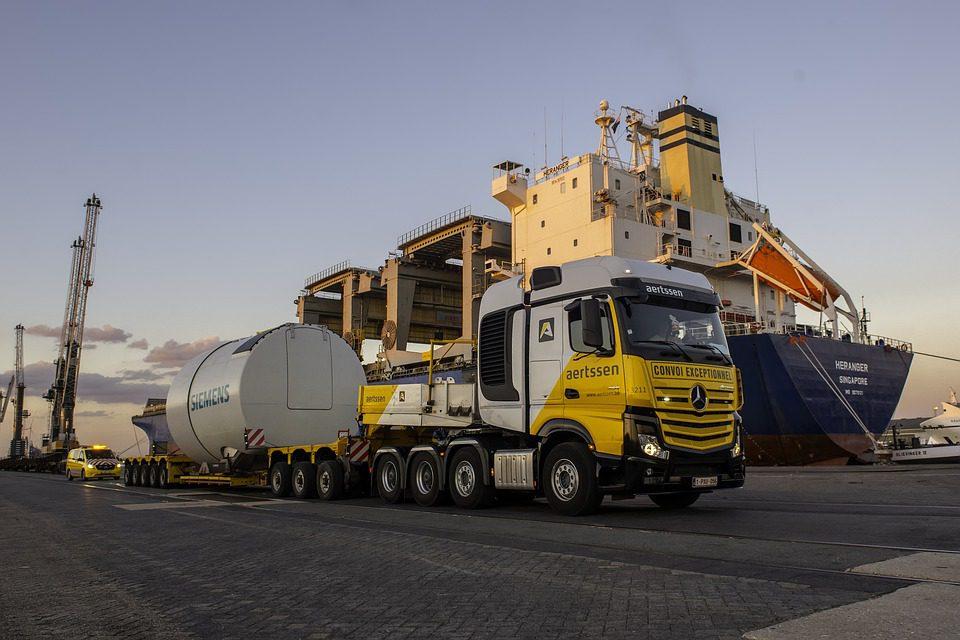 Trasporti e logistica: in Campania aumentano addetti e fatturato