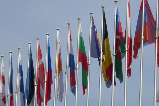 UE: nuova cooperazione in materia di difesa