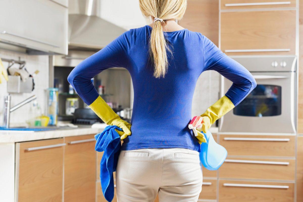 Una forma fisica perfetta con le pulizie