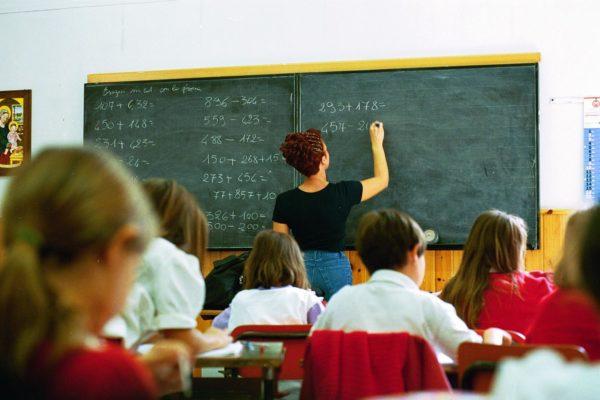 Una scuola con più insegnanti e maggiore formazione