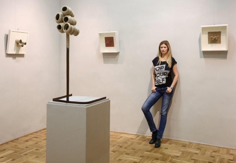 Vìola: a Milano la mostra di Andi Kacziba