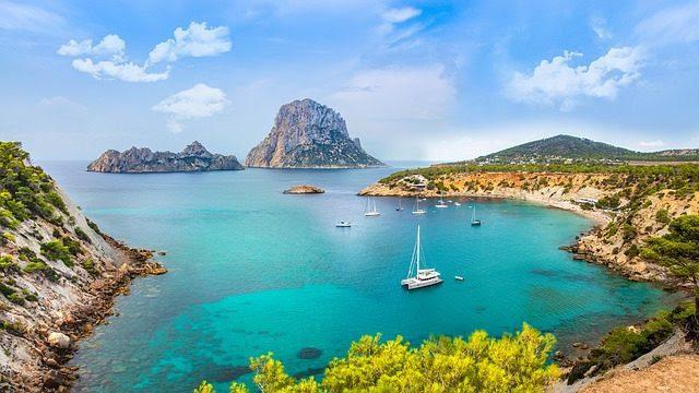 Vip: la nuova moda delle feste e cene esclusive a Ibiza