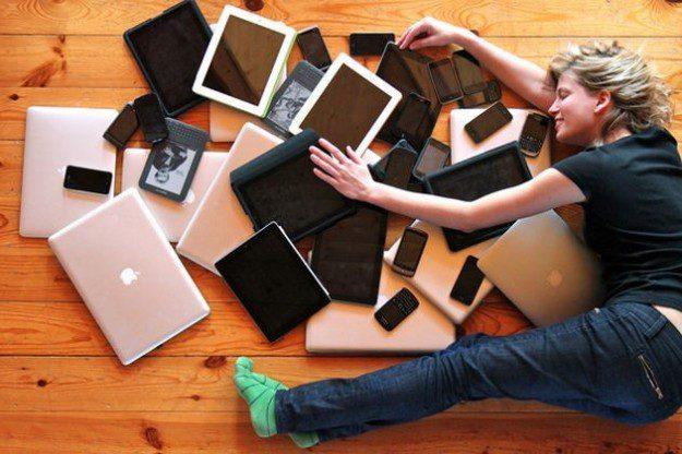 WEB E SOCIAL NETWORK: LE NEW ADDICTION