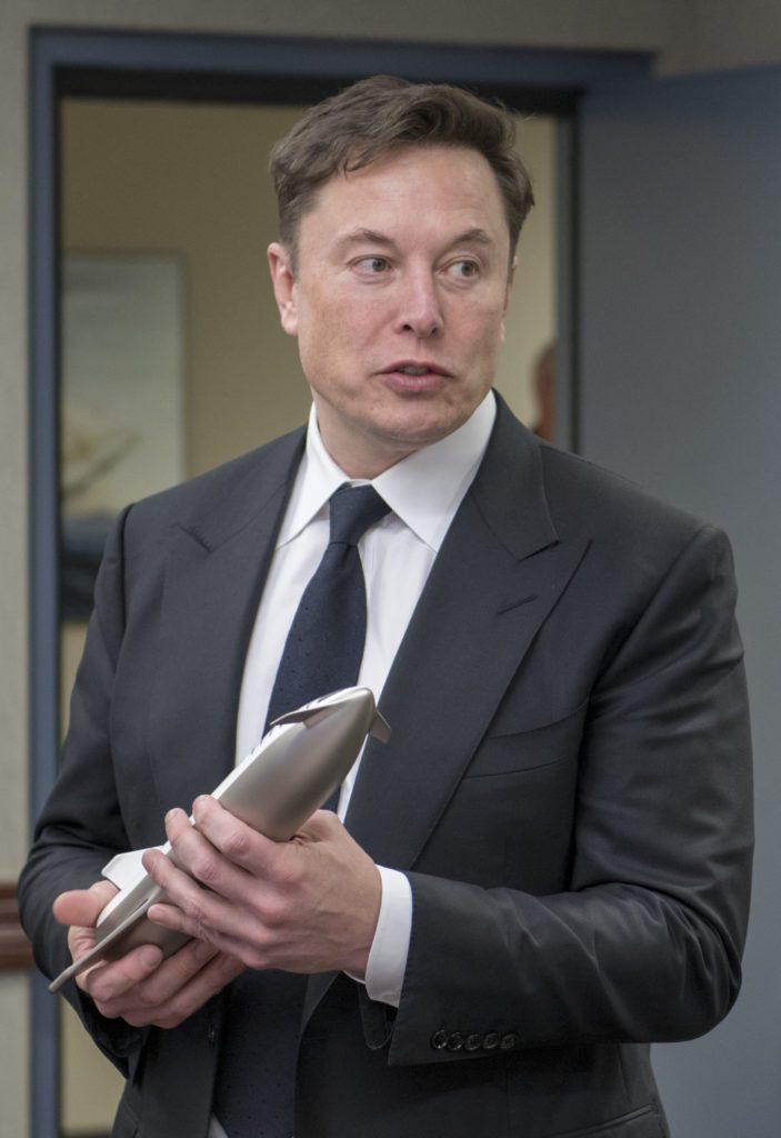 Elon Musk ed il bonus sul suo stipendio da capogiro