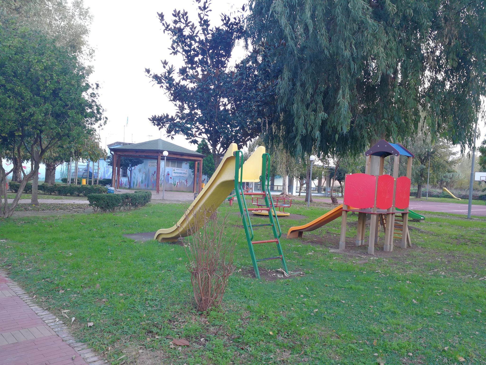 La Campania riapre i parchi ai bambini?