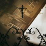 """""""Questa stanza non ha più pareti""""… l'arte di Martina Esposito in risposta a questo periodo storico"""