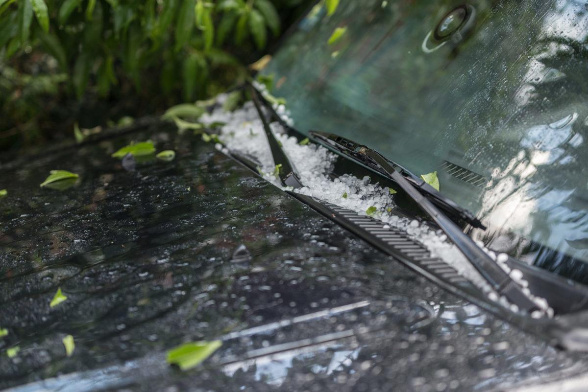 Grandinate estive: protezione auto, tutela e costi di riparazione