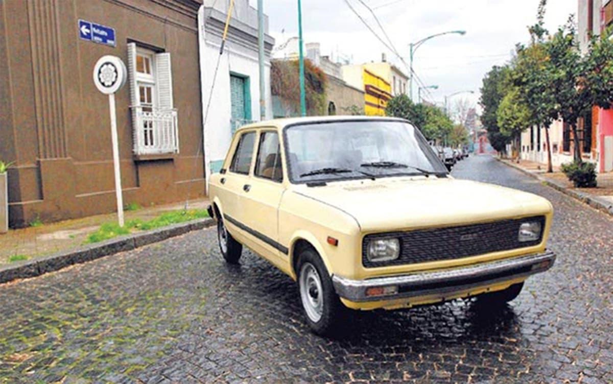 Il libretto di circolazione della Fiat 128