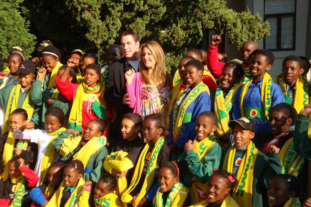 John Travolta e Kelly Preston alla Nelson Mandela Foundation