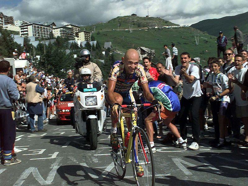 Marco Pantani, in scalata