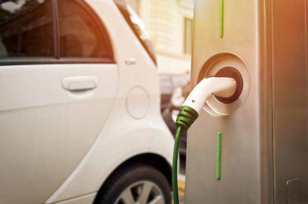 Il nuovo ecobonus auto per il 2020, tra beneficiari e vantaggi