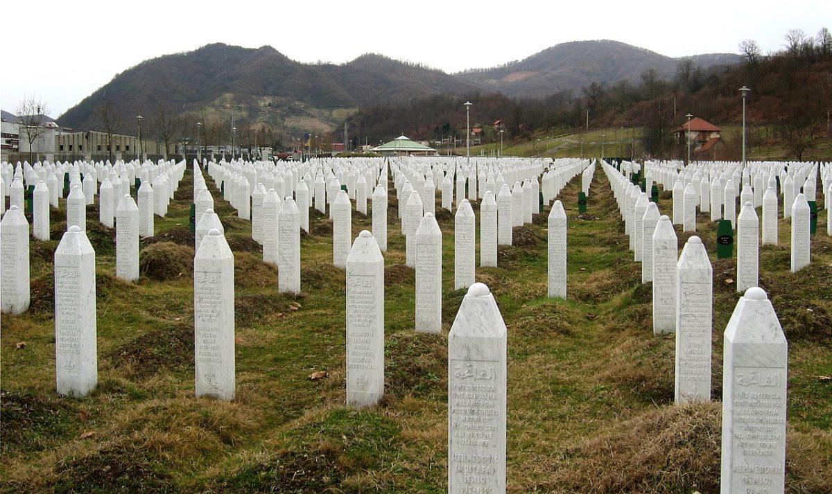 il massacro di Srebrenica dei bosniaci musulmani