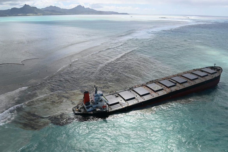 Dispersione petrolio nel mare delle Mauritius