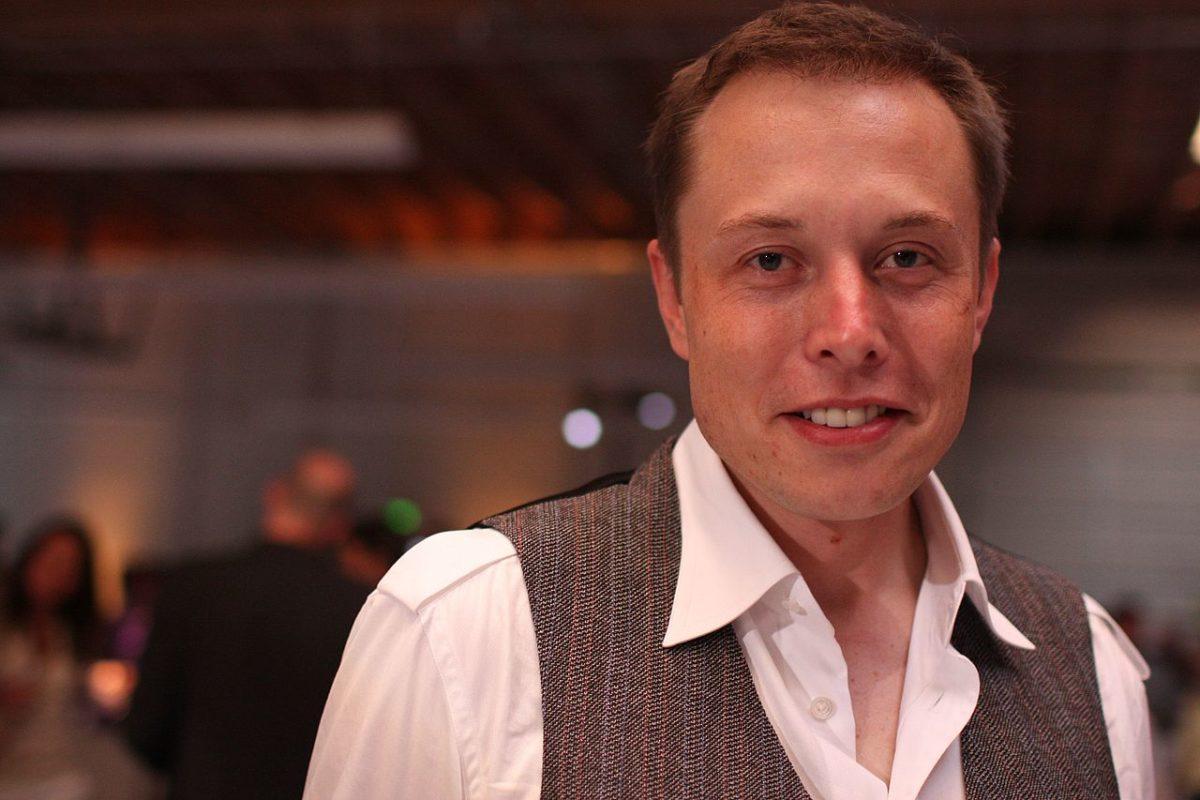 Elon Musk vende tutto
