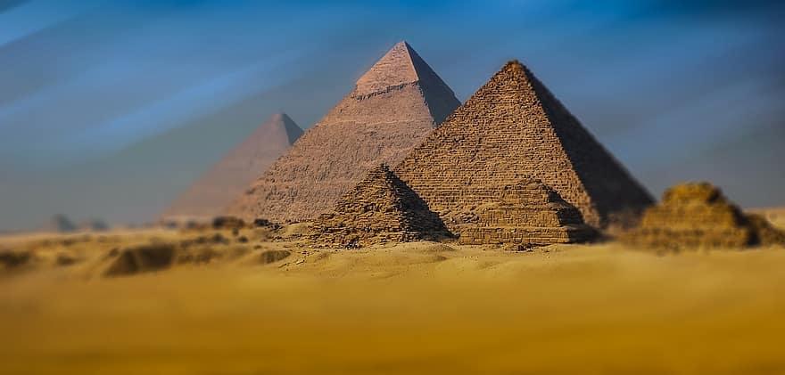 """Elon Musk: """"Le piramidi egizie sono state costruite dagli alieni"""""""