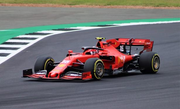 Sergio Perez positivo al Covid 19, il pilota salterà il prossimo Gran Premio