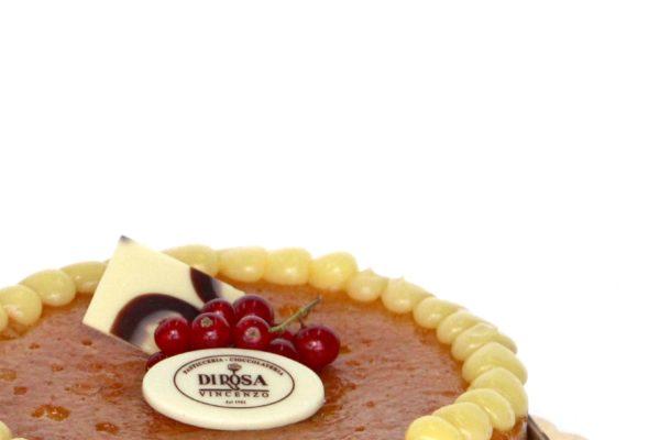 Nasce a Napoli la torta sospesa, tutti hanno il diritto di festeggiare