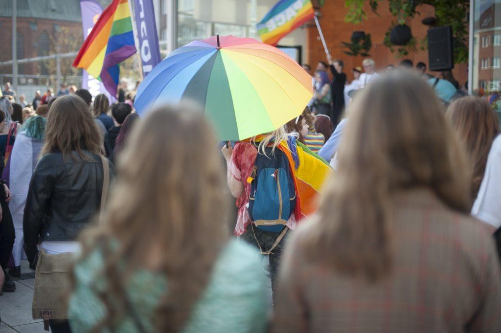 Disforia di genere, gender fluid, gender variant: cos'è e perché ci riguarda tutti