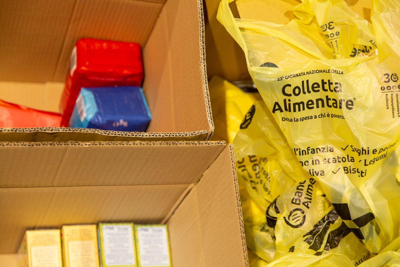 Giornata Nazionale della Colletta Alimentare: la spesa e le card