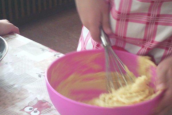 Ciambellone allo yogurt glassato