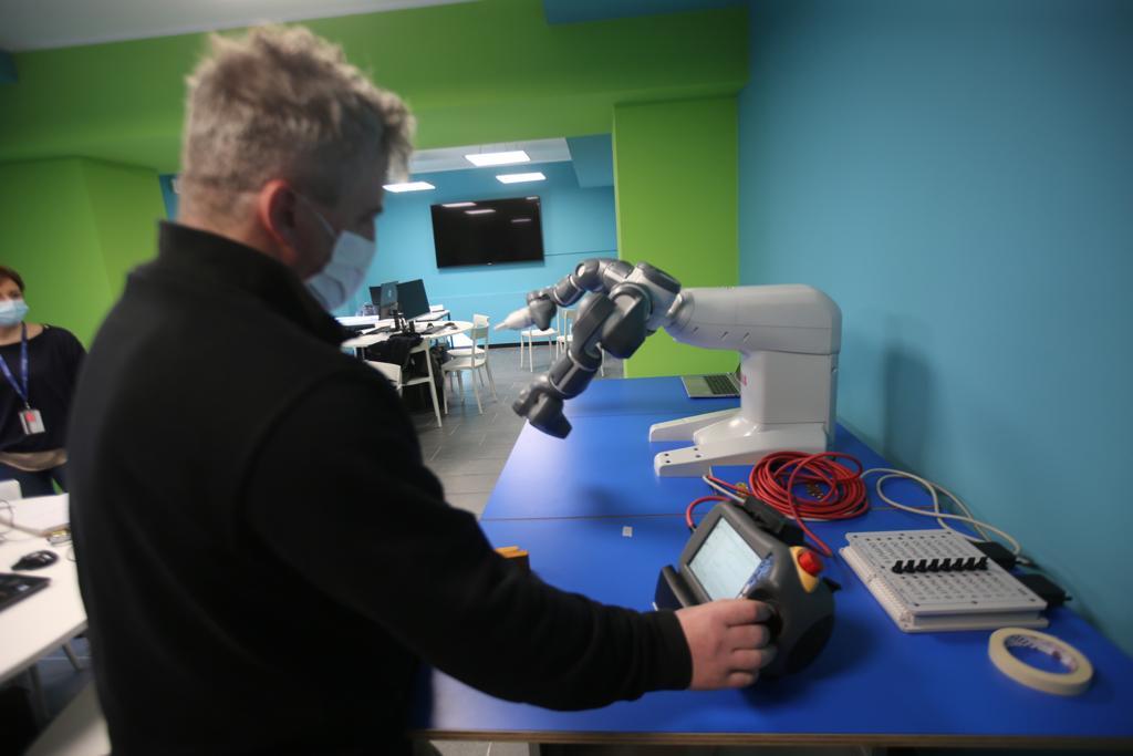 Nasce a Monza il primo laboratorio di robotica in Italia con bot collaborativi