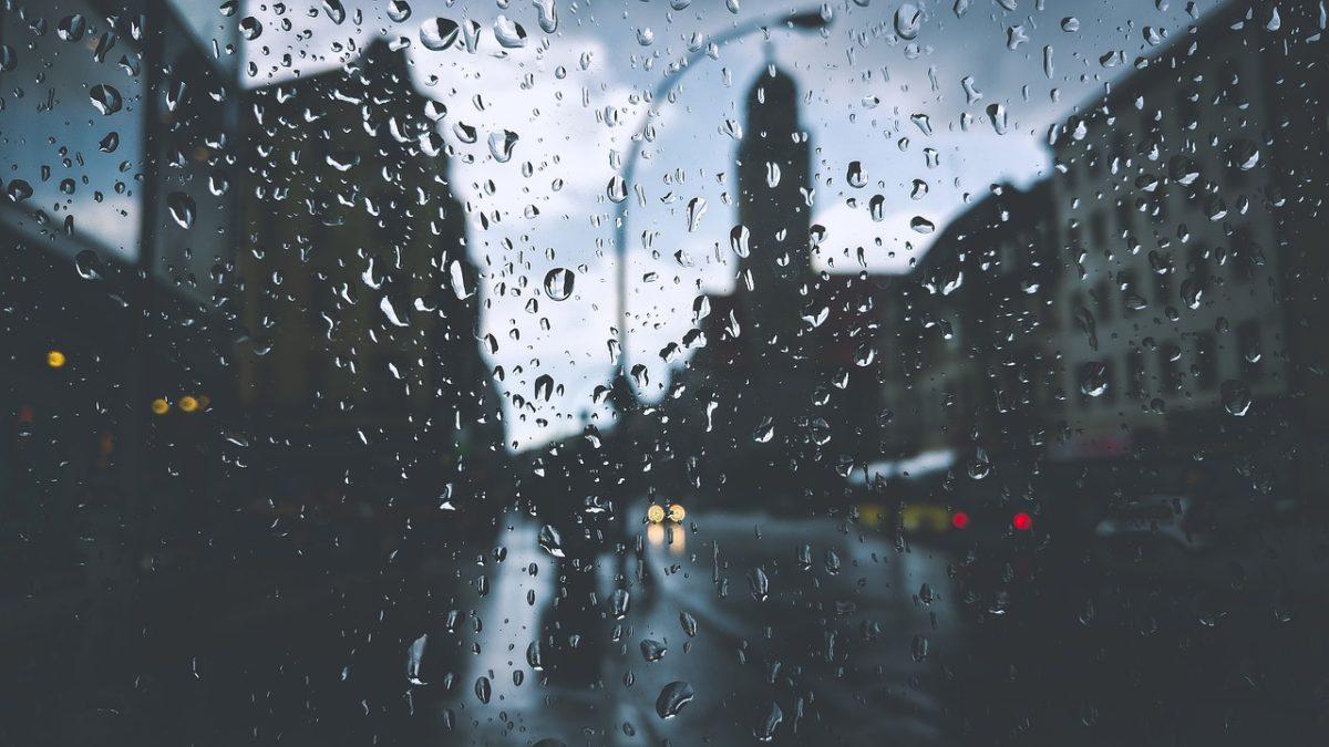 Inizio di settimana con piogge, vento e clima più fresco