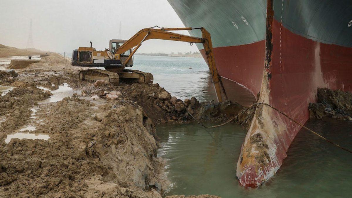 cosa ha bloccato il canale di Suez
