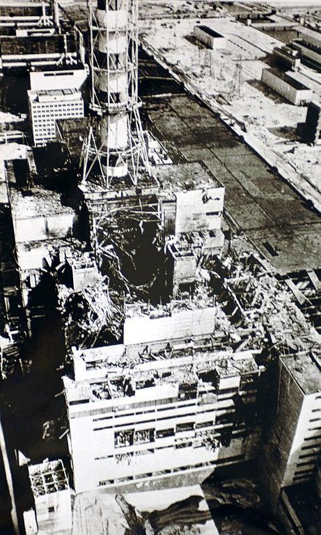 Il reattore n.4 dopo l'esplosione