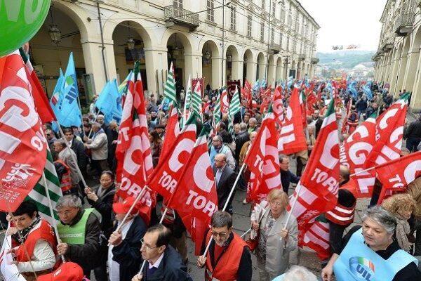 Come la legge regolamenta lo sciopero nei servizi essenziali