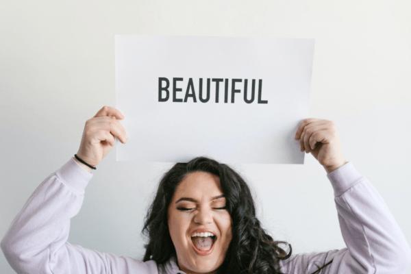Curvy e felici: la bellezza è amare se stesse