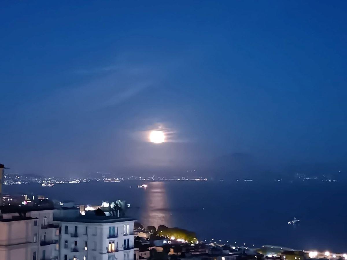 superluna eclissi doppio spettacolo
