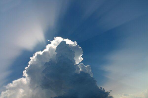 Domenica con qualche pioggia, l'estate alza la voce nei prossimi giorni