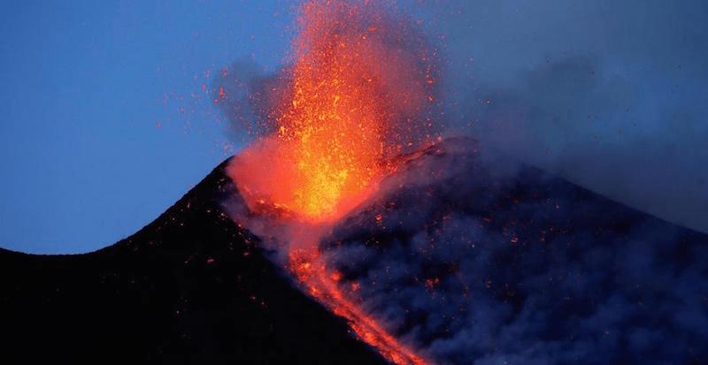 nuova spettacolare eruzione etna