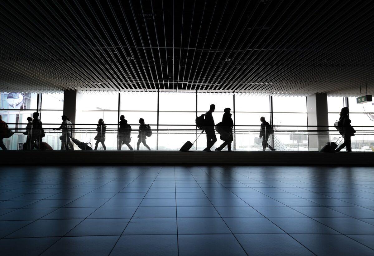 L'UE e la lista dei paesi dove viaggiare anche per motivi non essenziali
