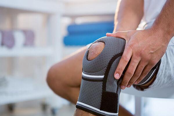 Ortopedici: in Italia sempre meno