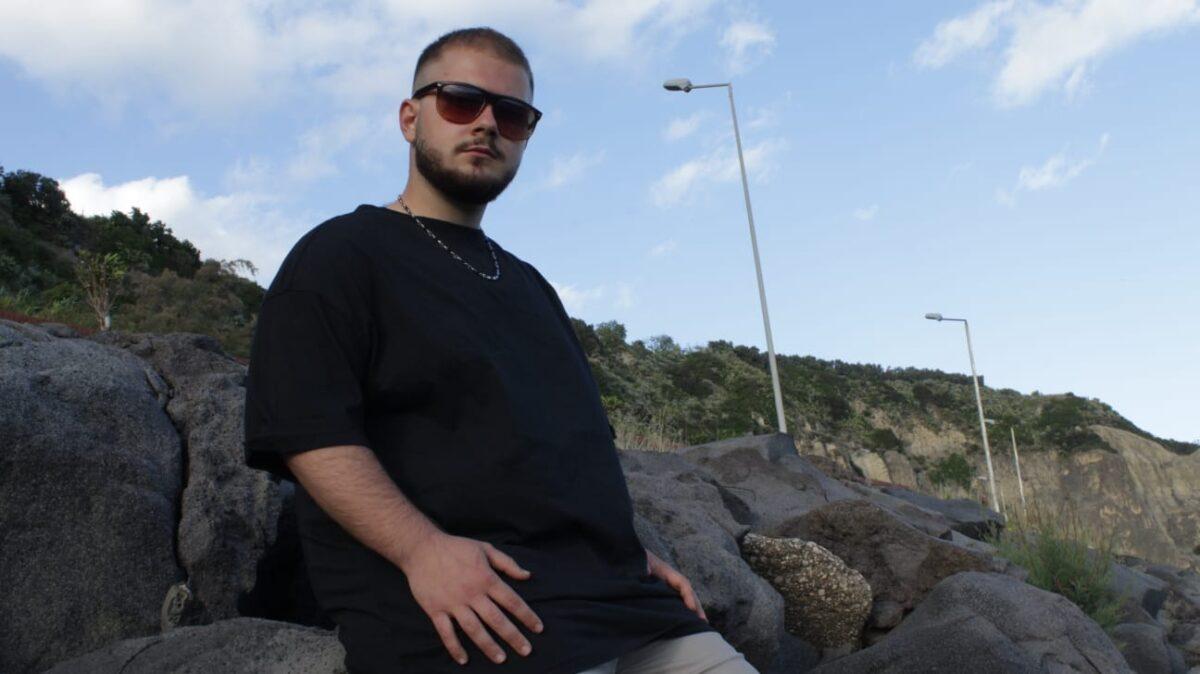 """""""Sincero"""": debutto d'introspezione per il giovane artista Camno"""