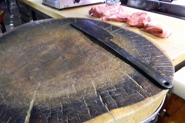 Un nuovo Presidio Slow Food in Sicilia: è la salsiccia al ceppo di Linguaglossa