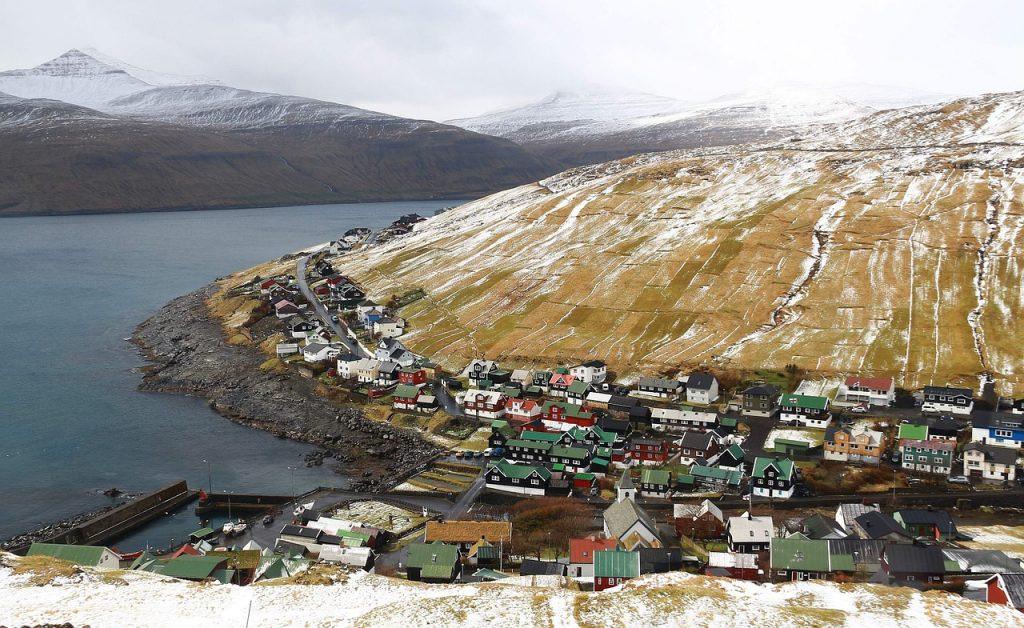 Isole Faroe: la mattanza dei delfini